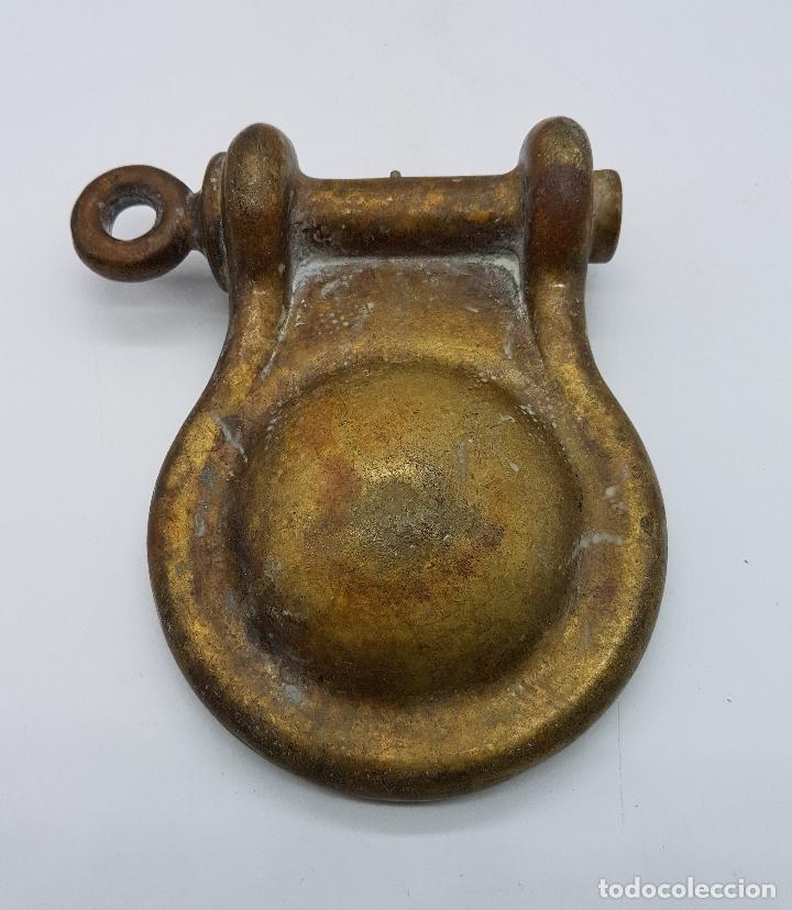 Antigüedades: Cenicero antiguo art decó marítimo con forma de grillete náutico en bronce macizo . - Foto 5 - 86544004