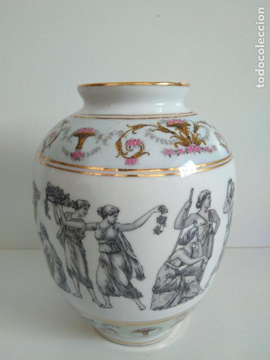 Antigüedades: Jarrón Seve con pastas y esmaltes de Limoges. Motivos griegos. - Foto 2 - 86624388