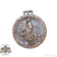Antigüedades: MEDALLA SAN BERNARDO PATRÓN DE LOS ESQUIADORES 3,1 CM DE DIÁMETRO. Lote 189937043