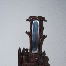 Antigüedades: PEQUEÑA FIGURA DE MADERA TALLADA - ESPEJO - TOCADOR - ART NOUVEAU - MODERNISMO - CIRCA 1900. Lote 86683880