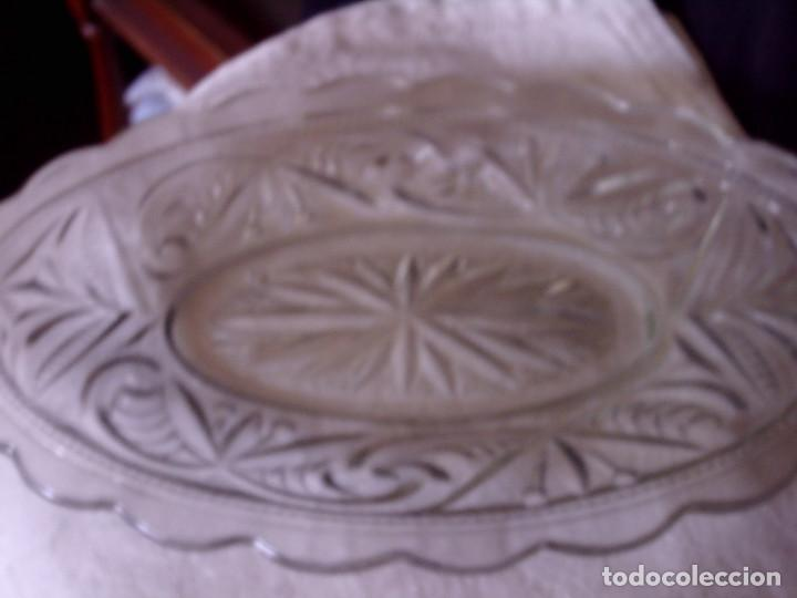Antigüedades: ~~~~BANDEJA - ENTREMESERA S. XIX, CRISTAL TALLADO CON UN BONITO DIBUJO GEOMETRICO. MIDE 22 X 14 CM.~ - Foto 2 - 86769244