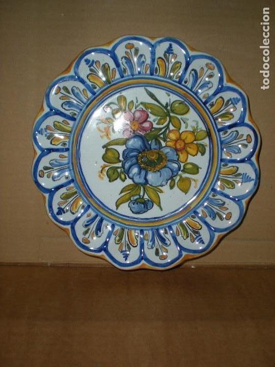 Plato cer mica talavera para colgar pintado a comprar for Ceramica talavera madrid