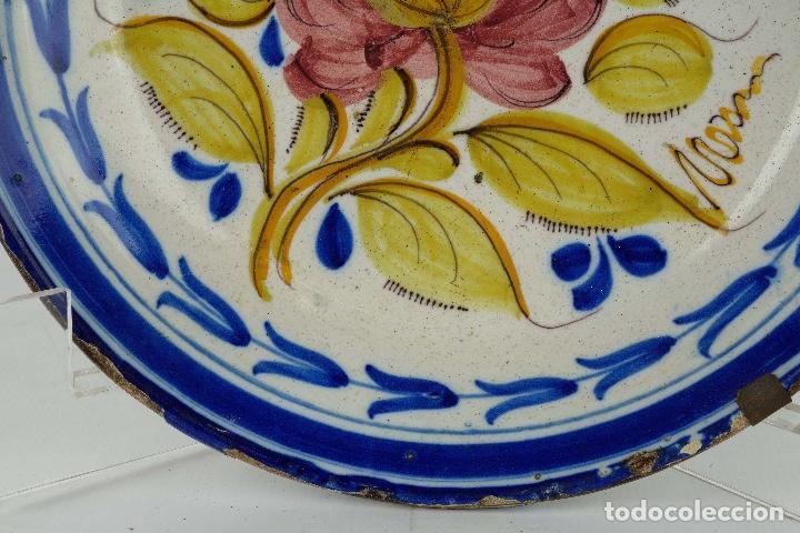 Antigüedades: Plato en cerámica de Manises colores finales siglo XIX - Foto 4 - 86835700