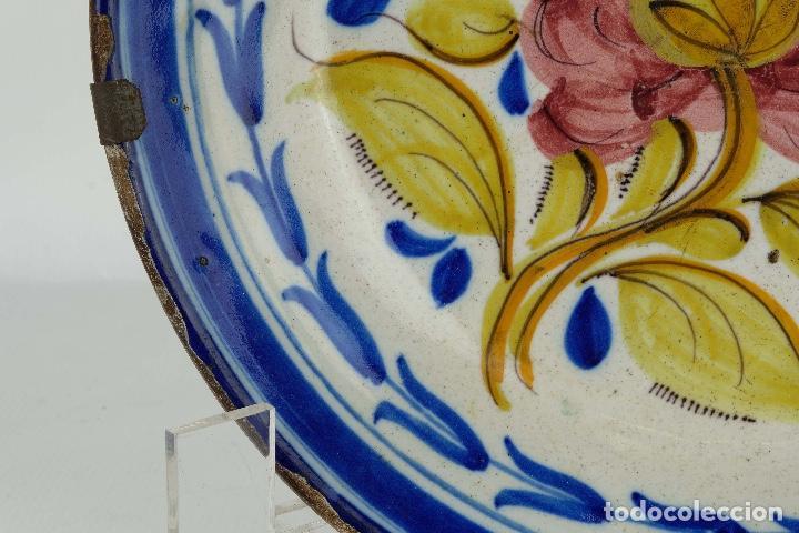 Antigüedades: Plato en cerámica de Manises colores finales siglo XIX - Foto 5 - 86835700