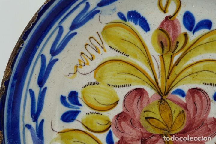 Antigüedades: Plato en cerámica de Manises colores finales siglo XIX - Foto 6 - 86835700