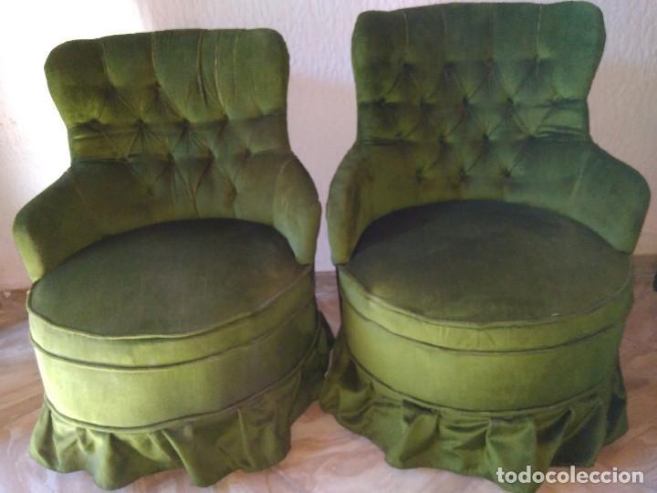pareja de butacas rinconeras tapizadas en terciopelo verde antigedades muebles antiguos sillones antiguos