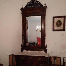 Antigüedades: APARADOR CON TAPA DE MÁRMOL Y ESPEJO. ÉPOCA 1900. Lote 86981624