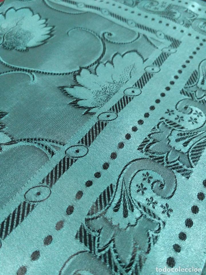 Antigüedades: Pañuelo de seda adamascado. Indumentaria tradicional. - Foto 7 - 86998988