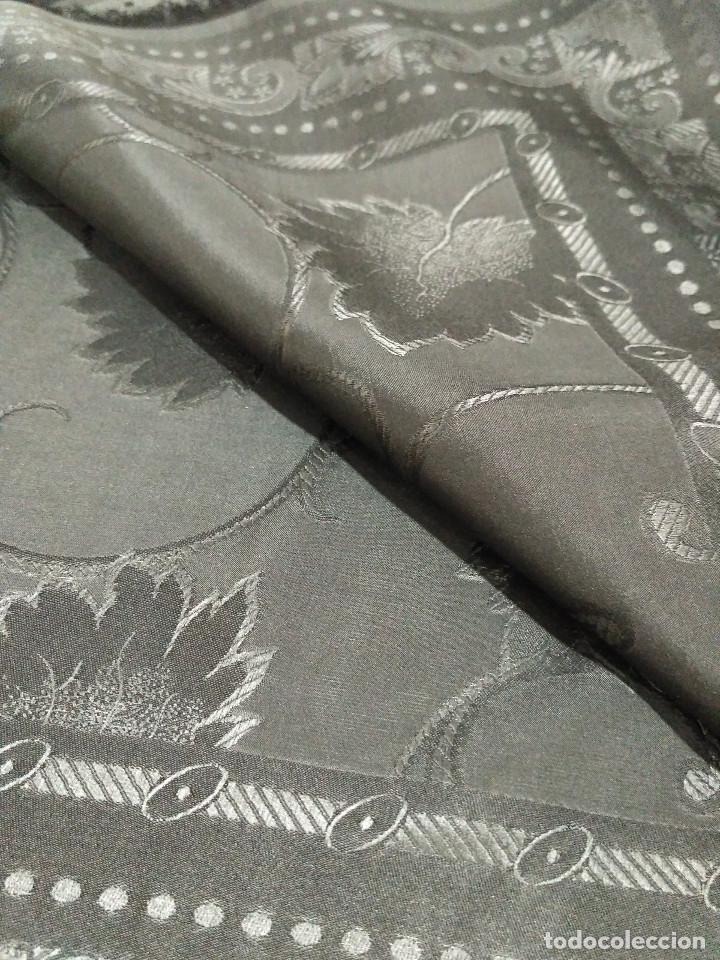 Antigüedades: Pañuelo de seda adamascado. Indumentaria tradicional. - Foto 10 - 86998988