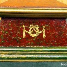 Antigüedades: PEANA DE MADERA POLICROMADA.. Lote 87003272