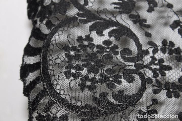 Antigüedades: GRAN MANTILLA NEGRA - BORDADO SEMIMANUAL SOBRE TUL - Foto 6 - 87014944