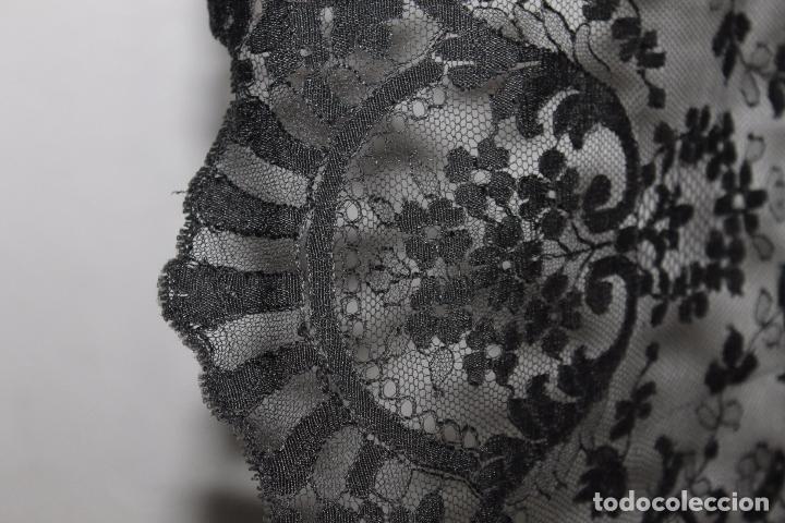 Antigüedades: GRAN MANTILLA NEGRA - BORDADO SEMIMANUAL SOBRE TUL - Foto 10 - 87014944