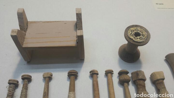 Antigüedades: Juego 18 bolinches de tejedora con accesorios siglo XIX - Foto 5 - 87036388