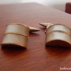 Antigüedades: GEMELOS DORADOS Y NACAR. Lote 87049560