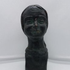 Antigüedades: ELEGANTE BUSTO DE DONCELLA ANTIGUO HECHO EN TERRACOTA FIRMADO POR EL ARTISTA.. Lote 87128676