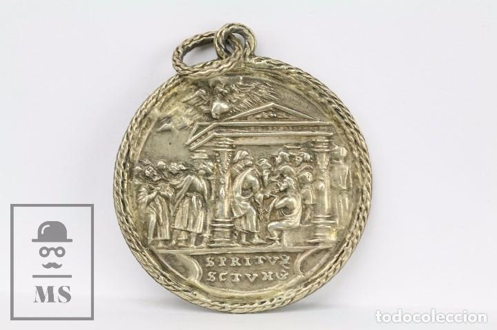 Antigüedades: Medalla Religiosa - Espíritu Santo / Espiritu Sanctum - Mediados Siglo XX - Diámetro 45 mm - Foto 2 - 159473108