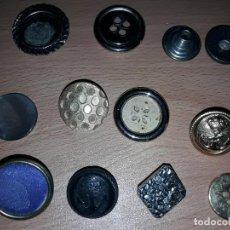 Antigüedades: LOTE ANTIGUOS BOTONES VARIADOS VER TODOS ROPA MILITAR UNIFORMES MILITARES MARINA DESCONOZCO BOTON. Lote 87268708