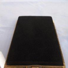 Antigüedades: ANTIGUO BOLSO MONEDERO EN METAL DORADO Y TERCIOPELO NEGRO. Lote 87272304