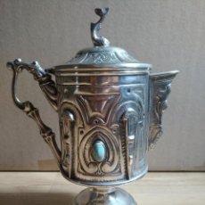 Antigüedades: ANTIGUA JARRA COPA CHOCOLATERA DE ALPACA CON TURQUESAS. Lote 115284980