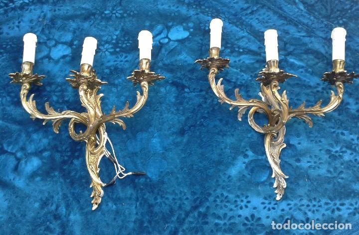 Antigüedades: 2 dos apliques antiguos estilo Luis XV. Aplique antiguo dorado bronce estilo barroco. - Foto 2 - 87379024
