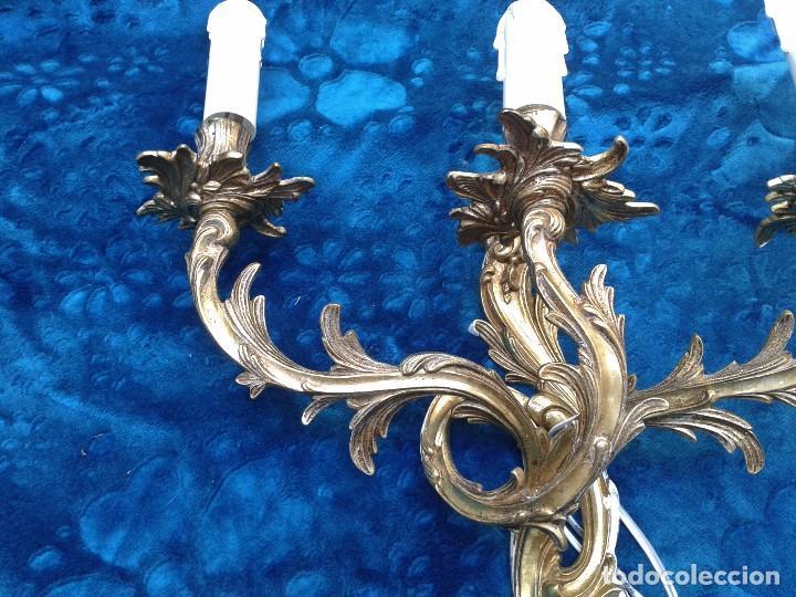 Antigüedades: 2 dos apliques antiguos estilo Luis XV. Aplique antiguo dorado bronce estilo barroco. - Foto 5 - 87379024