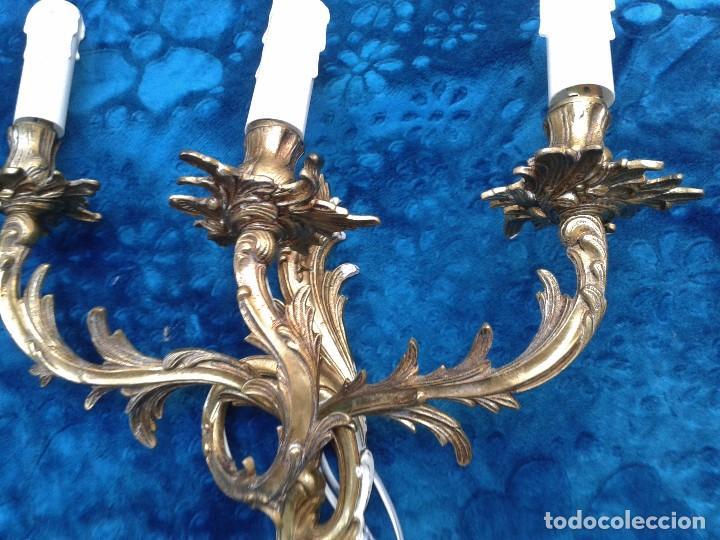 Antigüedades: 2 dos apliques antiguos estilo Luis XV. Aplique antiguo dorado bronce estilo barroco. - Foto 7 - 87379024