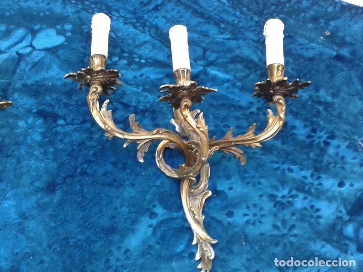 Antigüedades: 2 dos apliques antiguos estilo Luis XV. Aplique antiguo dorado bronce estilo barroco. - Foto 9 - 87379024