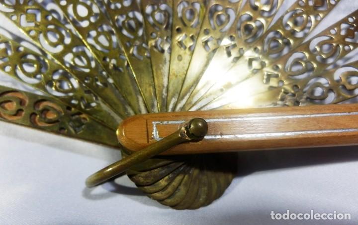 Antigüedades: Muy original abanico ca 1900 en madera, varillaje latón y país de seda - 23cms - Foto 5 - 87459628