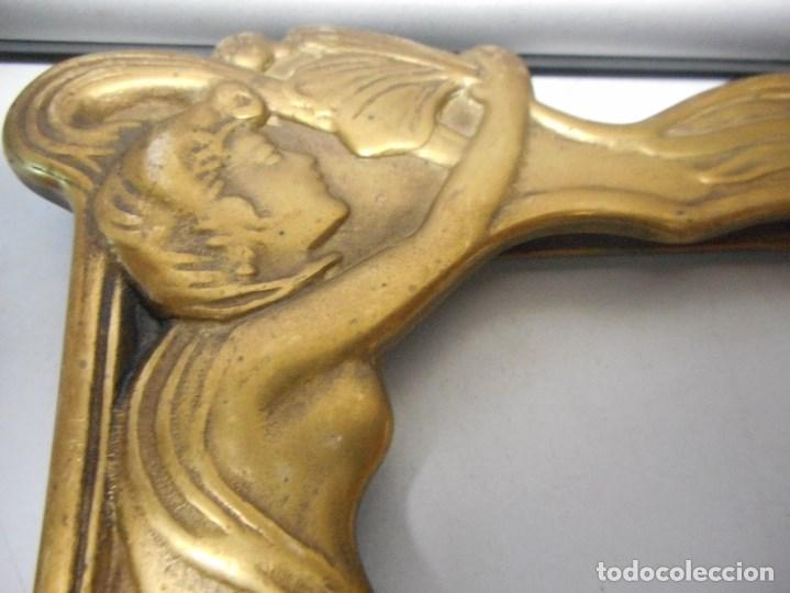 Antigüedades: portafotos portaretratos marco de bronce original modernista - Foto 8 - 134403774