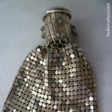 Antigüedades: CARTERITA MONEDERO DE MALLA EN ALPACA CON BOQUILLA DE FUELLE CON FORRO INTERIOR. Lote 87540188