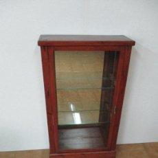Antigüedades: ANTIGUA VITRINA - EXPOSITOR - MADERA DE PINO - CON ESPEJO - IDEAL COLECCIONES, ETC -PRINCIPIOS S. XX. Lote 87549456