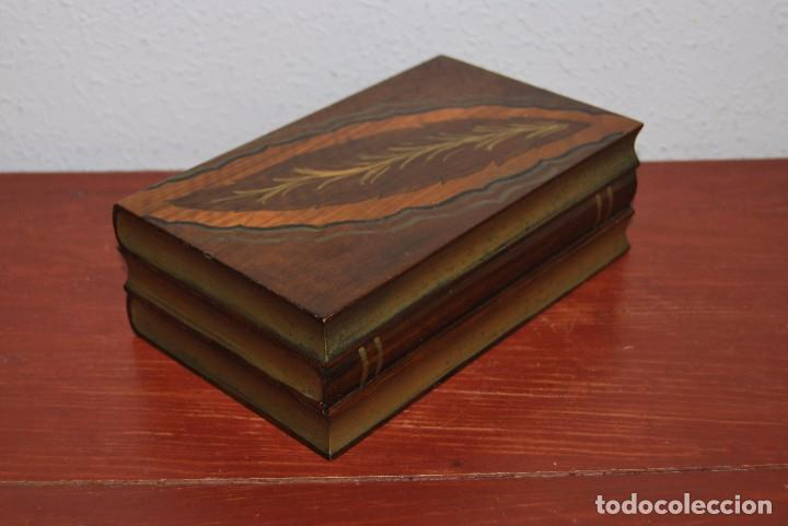 Antigüedades: ANTIGUA CAJA DE MADERA IMITANDO LIBROS - TABAQUERA - Foto 4 - 87595604