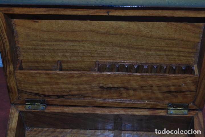 Antigüedades: ANTIGUA CAJA DE MADERA IMITANDO LIBROS - TABAQUERA - Foto 11 - 87595604