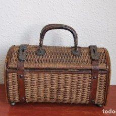 Antigüedades: ANTIGUO BOLSO DE MIMBRE, CUERO Y METAL - PARA PLAYA O BALNEARIO - CIRCA 1900. Lote 87596144