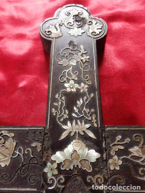 Antigüedades: Cruz filipina con incrustaciones de nácar. 46,5 cm. Siglo XIX. - Foto 5 - 87613588