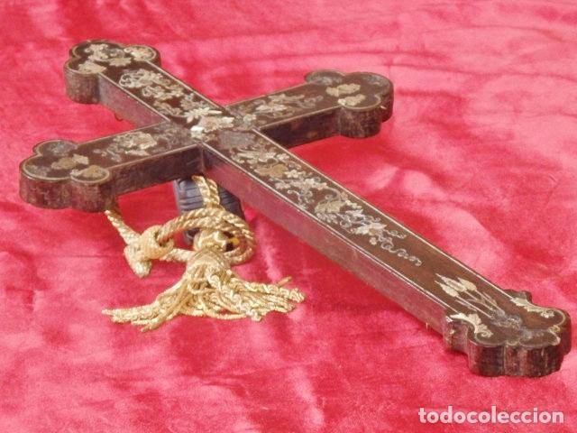 Antigüedades: Cruz filipina con incrustaciones de nácar. 46,5 cm. Siglo XIX. - Foto 12 - 87613588