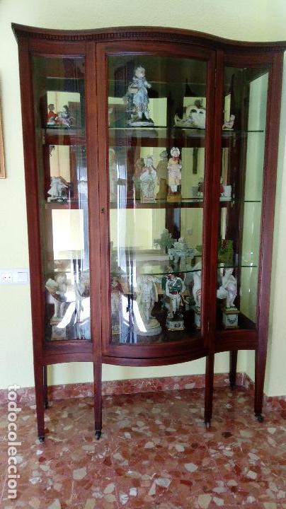 Antigüedades: VITRINA ART. DECÓ CIRCA 1920 EN MADERA DE CAOBA, CON ESTANTE Y EN PERFECTO ESTADO. - Foto 5 - 87648580