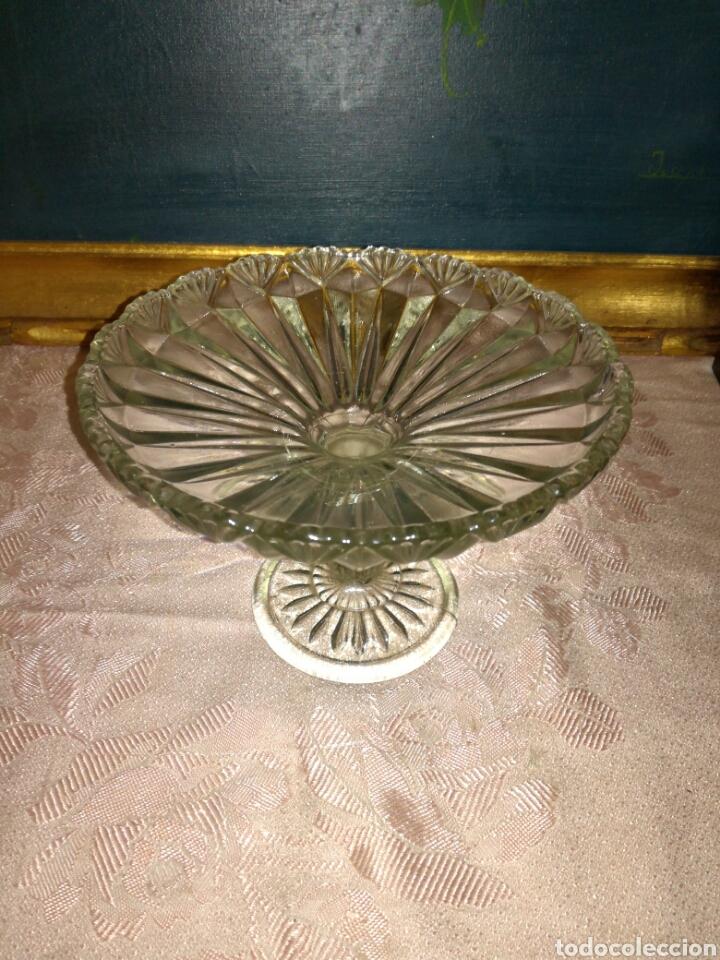 Antigüedades: Antiguo frutero de cristal prensado - Foto 2 - 87663184