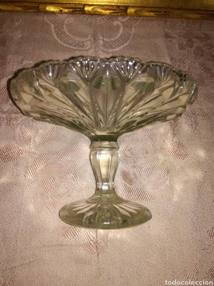 Antigüedades: Antiguo frutero de cristal prensado - Foto 4 - 87663184