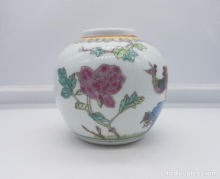Antigüedades: Precioso jarrón antiguo en porcelana china con motivos de pavo real sellado. - Foto 3 - 87670992