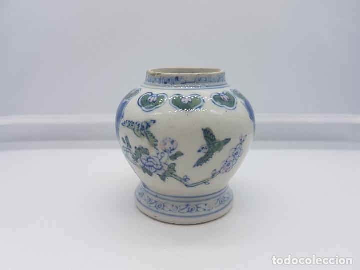 Antigüedades: Jarron antiguo en porcelana china con motivos de pajaritos y flores pintados. - Foto 3 - 87671372
