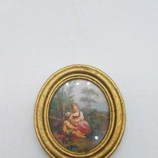 Antigüedades: PRECIOSO CUADRO ANTIGUO DE FORMA OVALADA CON MARCO EN PAN DE ORO NIÑOS FAENANDO.. Lote 87679240