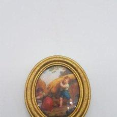 Antigüedades: PRECIOSO CUADRO ANTIGUO DE FORMA OVALADA CON MARCO EN PAN DE ORO NIÑOS FAENANDO.. Lote 87679284