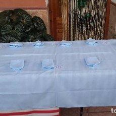 Antigüedades: PRECIOSA MANTELERIA DE 12 SERVICIOS. Lote 87700472
