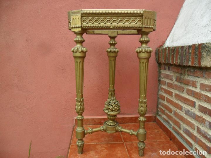 CONSOLA EN MADERA TALLADA Y ACABADO EN PAN DE ORO SIGLO XVIII (Antigüedades - Muebles Antiguos - Consolas Antiguas)