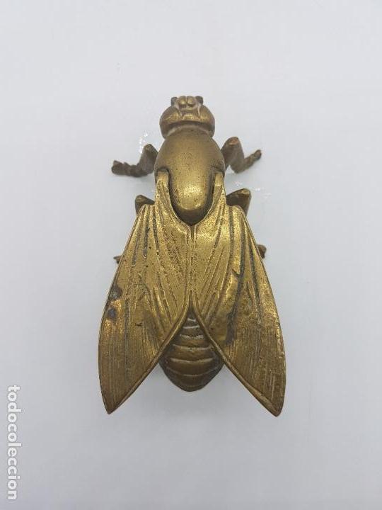 Antigüedades: Cenicero antiguo en forma de mosca hecho en bronce. - Foto 5 - 87922276