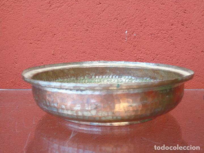 ANTIGUA FUENTE DE COBRE (Antigüedades - Técnicas - Rústicas - Utensilios del Hogar)