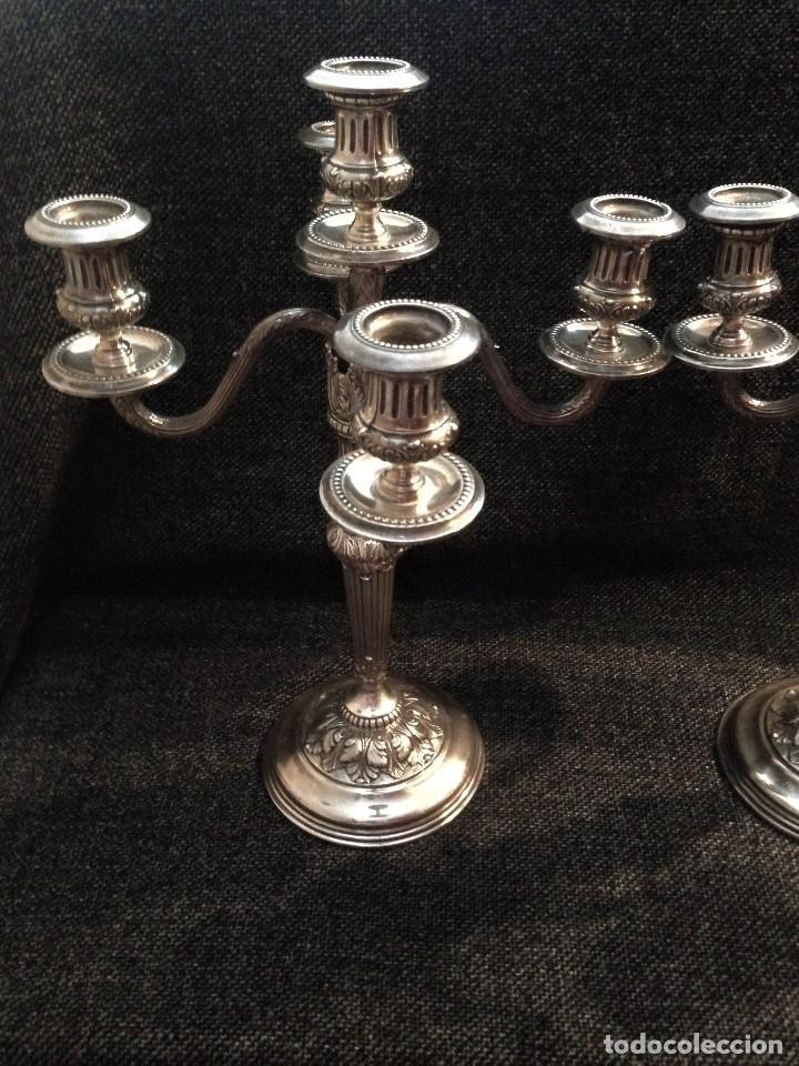 Antigüedades: extraordinaria pareja de candelabros de gala, estilo frances, en plata 925 - Foto 4 - 88158224