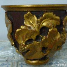 Antigüedades: MENSULA DECORADA MADERA.. Lote 88170464