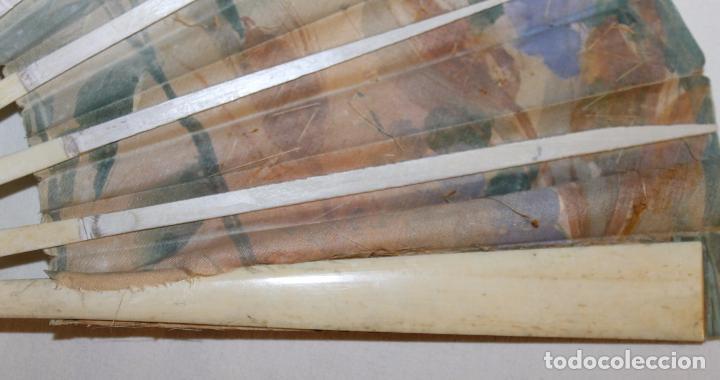 Antigüedades: ABANICO ART NOUVEAU EN HUESO TALLADO Y POLICROMADO, PAIS PINTADO Y CON LENTEJUELAS - SIGLO XIX - Foto 13 - 88182224
